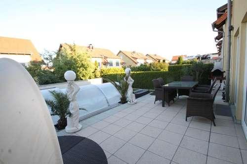 ++ sehr schönes Doppelhaus ++  Grundstück 250m² ++ Garage mit 2 Abstellplätze ++ Wfl. 250m² ++ Swimming Pool  ++ Wunderschönes Haus ++ ruhige Lage ++
