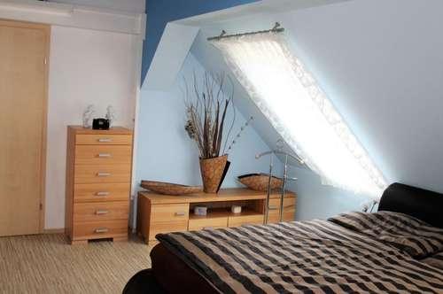 - Infrarotkabine - Einfamilienhaus - 210m² Wohnfläche - 6 Zimmer - Whirlpool -