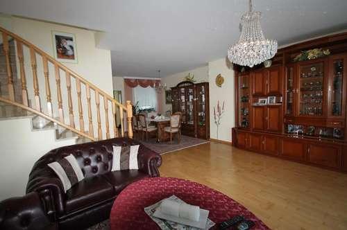 ++ Wunderschönes Haus ++ ruhige Lage ++ Pool ++ Garten ++ Garage mit 2 Abstellplätze ++