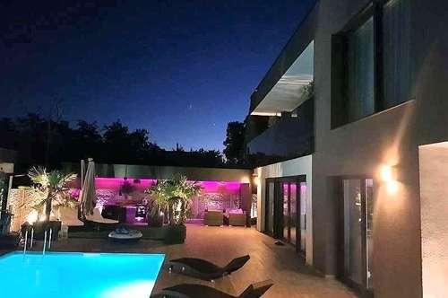 ** Moderne Villa ** mit Swimming Pool ** in Leopoldsdorf  ** MEHR ALS NUR WOHNEN **