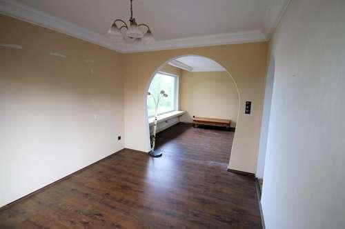 Garten 697m² mit Pool  ++Ein-/Mehrfamilienhaus 230m² Wfl. 9 Zimmer, Balkon und Terasse ++