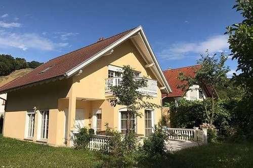 +Ein-/Mehrfamilienhaus 161m² Wfl. 6 Zimmer , 2 Balkone, große Terrasse ++Grundstück 900m²+