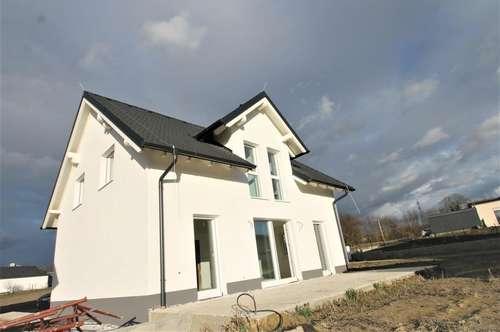 *** Südostlich gerichtetes  GRUNDSTÜCKSGR.  434 m²  Einfamilienhaus  4 Zimmer WFL. 126 m²  ***