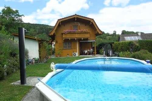 ++ Wunderschöner Swimmingpool ++ Grundstück 566m²  ++ Holzmassivhaus ++