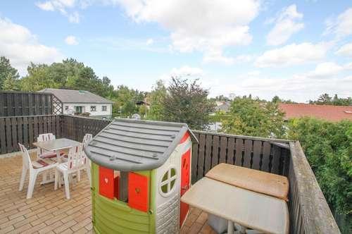 !!REIHENHAUS !!  mit WFL. ca. 186m²  6 Zimmer Terrasse 23 m²  Garage Grundstücksgr. ca. 680m²