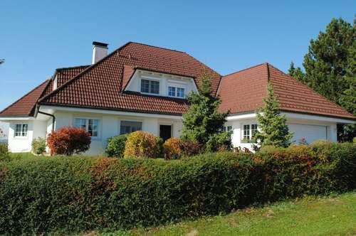 Exklusive Villa in einzigartiger Lage mit einem wunderschönen Panoramablick in der Thermenregion Loipersdorf!