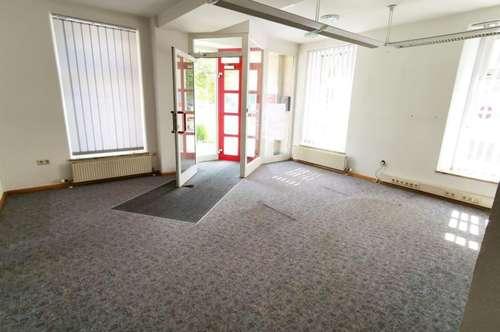 Innenstadtlage: Geräumige Bürofläche (150m²) im Erdgeschoss in Fürstenfeld!