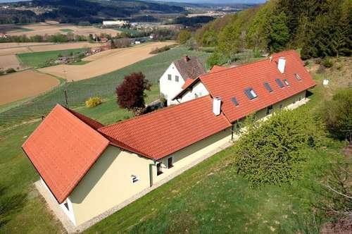 Traumhafte Alleinlage mit Panoramablick: Wunderschöner Gutshof (250m²) in Bad Waltersdorf!