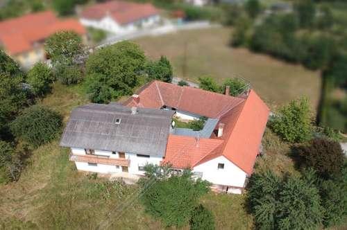 Deutsch Kaltenbrunn: Generalsanierungsbedürftiger Vierkanthof (250m²) mit wunderbarem Ausblick in ruhiger Lage!