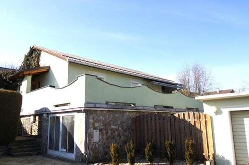 Nähe Fürstenfeld: Gepflegtes Einfamilienhaus (112m²) mit uneinsehbarem Garten in ruhiger, erhöhter Lage!