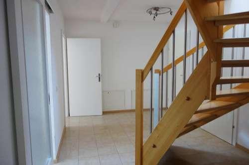 Geräumige Maisonette-Mietwohnung (80m²) mit Balkon im Zentrum von Fürstenfeld!