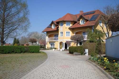 Nähe Fürstenfeld: Exklusive Landhausvilla/Hotel in ruhiger Lage!