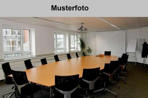Im Zentrum von Fürstenfeld: Büro/Ordination (39m²) ab sofort zum Mieten!