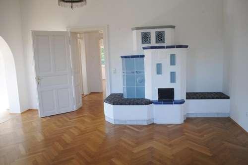Wohnen in einer Altbauvilla: Schöne Mietwohnung (85m²) in ruhiger und dennoch zentraler Lage in Fürstenfeld!