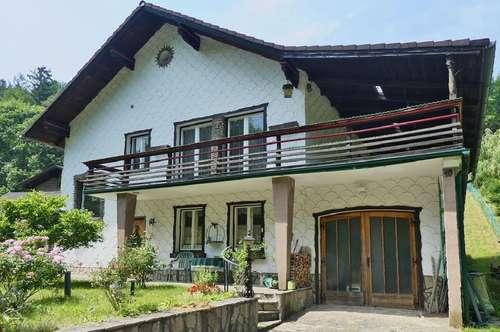 Gepflegtes Einfamilienhaus mit Gästehaus in grüner Aussichtslage