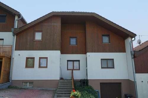 Entzückendes Haus in gekoppelter Bauweise in absoluter Grünruhelage