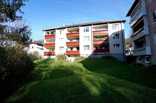 Helle 4-Zimmer-Mietwohnung mit Loggia in Grünlage