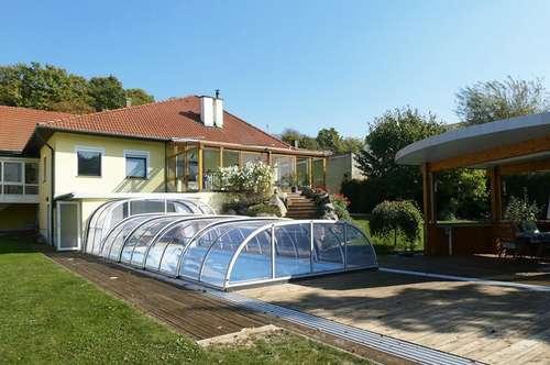 Einfamilienhaus mit Pool und Sauna in ländlicher Ruhelage
