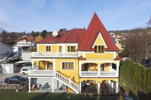 Werden Sie zum Schlossherrn - Traumhaus mit Turm am Karriegel