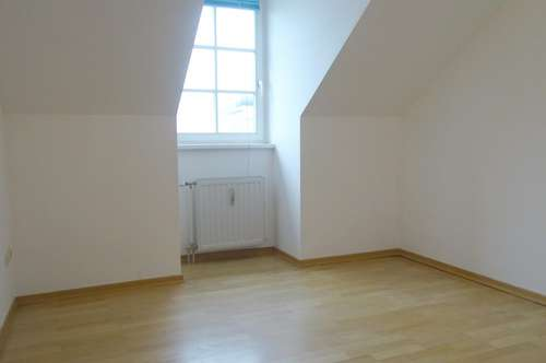 3 Zimmer-Mietwohnung im Dachgeschoß