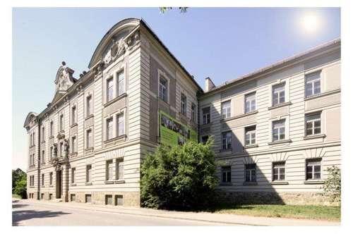 2000 Stockerau, Moderne Architektur in historischem Ambiente