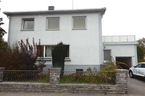 Mehrfamilienhaus (ehemalige Arztpraxis) in Schwarzenau