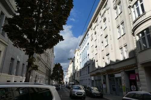 1070 Wien - 2,5 Zimmer Wohnung mit Balkon und Garagenplatz