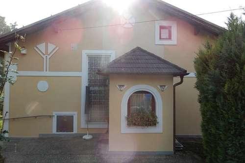 Neuwertiges Einfamilienhaus mit großem Garten in Ulrichskirchen