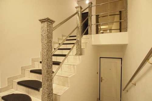 Wunderschöne 3 Zimmerwohnung mit Terrasse, Loggia und Parkplatz!