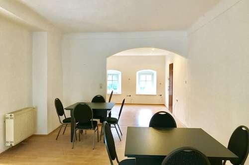 Neusanierte Altbauwohnung im Herzen von Pöggstall