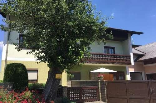 Sehr gepflegtes Wohnhaus mit Nebenhaus, Nähe Ottenschlag