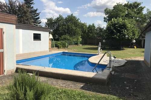 Top gepflegtes Zweifamilienhaus mit Pool in Herzogenburg