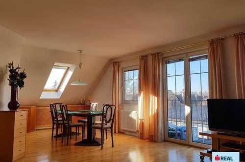 Großzügiges, neuwertiges Ein- bis Zweifamilienhaus in Ruhelage