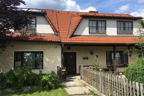 Einfamilienhaus in ruhiger Siedlungslage mit großem Garten