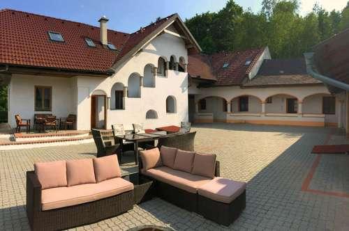 Bernstein - Bauernhaus in Einzellage mit eigener Quelle und 3 Wohneinheiten!