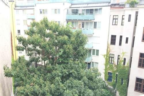 5., gepflegte 4- Zimmer Wohnung mit Blick in den Innenhof