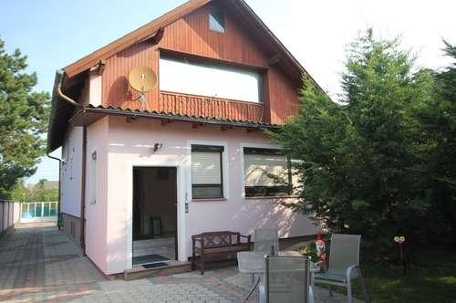 Einfamilienhaus mit Pool und Garage in 2241 Schönkirchen