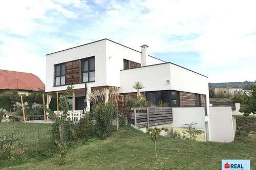 2413 Edelstal, geräumiges Einfamilienhaus mit Wohnkeller, Garage und Garten im Bieterverfahren!