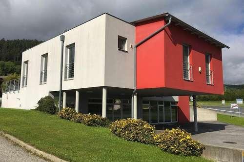 Modernes Wohn-/Geschäftsgebäude in Villach-Möltschach