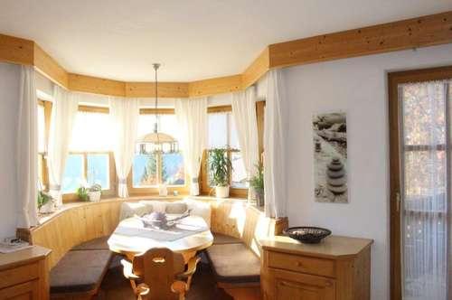 Ein Haus mit drei Wohneinheiten - auf 1429 Metern genießen...