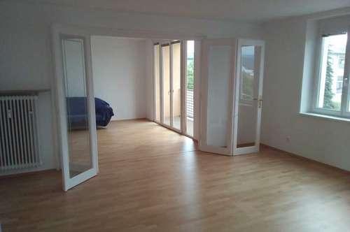 Top renoviertes 4-Zimmer-Objekt als Wohnung, WG oder Büro