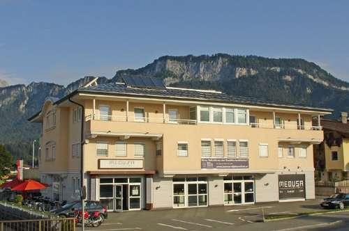 Miete: Gewerbeeinheit in bester Frequenzlage und ausreichend Parkmöglichkeit in St. Johann in Tirol