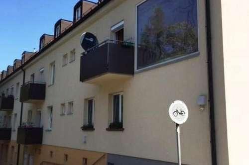3-Zimmer komplett sanierte Wohnung