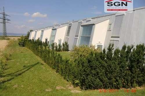 Provisionsfreies gefördertes 4-Zimmer Reihenhaus inkl. Eigengarten und PKW-Abstellplatz mit Miete-Kaufoption zu vermieten!