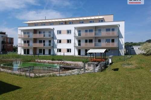 Erstbezug ohne Provision mit Miete-Kaufoption: 3-Zimmer Genossenschaftswohnung im 1. OG mit Schwimmteich/Balkon in Petzenkirchen