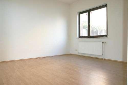 Vöslau, Gainfarn: 2-Zimmer, offene Küche mit 62m² + Garten-Nutzung: