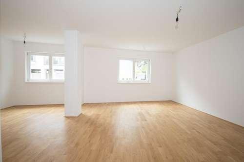 ALLES NEU ! großzügige 4 Zimmer Wohnung im Zentrum von Brunn, inkl. KFZ-Stellplatz