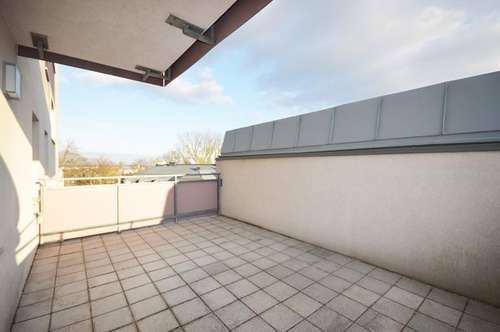 TERRASSEN-HIT! Wunderschöne 3 Zimmer-Wohnung mit großer Terrasse