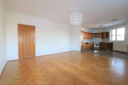 Gepflegte 3-Zimmer-Wohnung mit Loggia und Autoabstellplatz im Zentrum/42