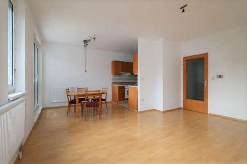 Gepflegte 3-Zimmer-Wohnung mit Tiefgaragenplatz/48